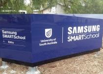 uni-south-australia-signage